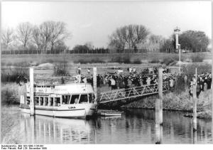 First crossing of the former inner-German border, river Elbe, close to Sumte, after the fall of the Iron Curtain. Photo credit: Wikipedia.